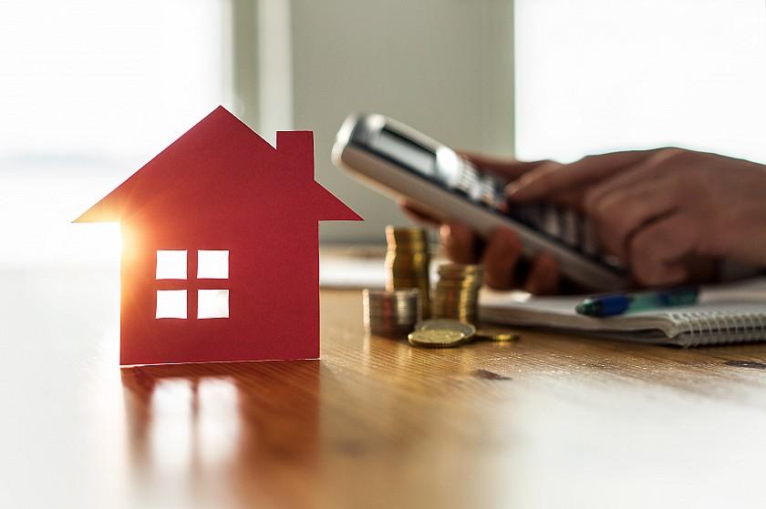 Propriétaire immobilier en Espagne et résident en Belgique ou en France ? Quels impôts à payer?